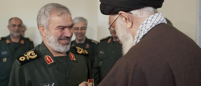 Ayatollah Khamenei awards the Fath Medal to an Iranian naval commander for the capture of U.S. sailors [Leader.ir]