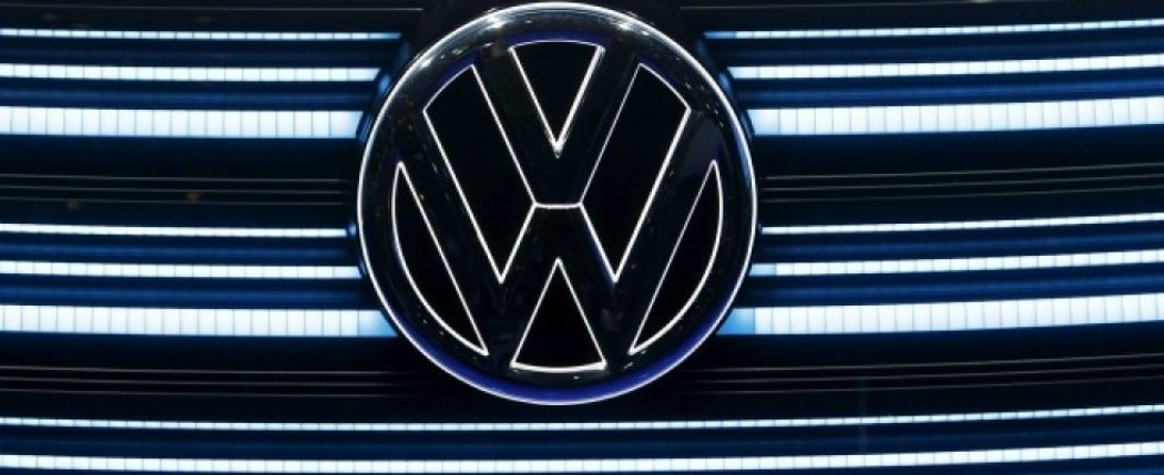 The Volkswagen emblem is shown on the grill of Volkswagen's BUDD-e electric vehicle during a keynote address at the 2016 CES trade show in Las Vegas, Nevada January 5, 2016.  REUTERS/Steve Marcus