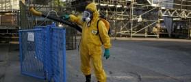 A municipal worker sprays insecticide at Sambodrome in Rio de Janeiro, Brazil, January 26, 2016. REUTERS/Pilar Olivares