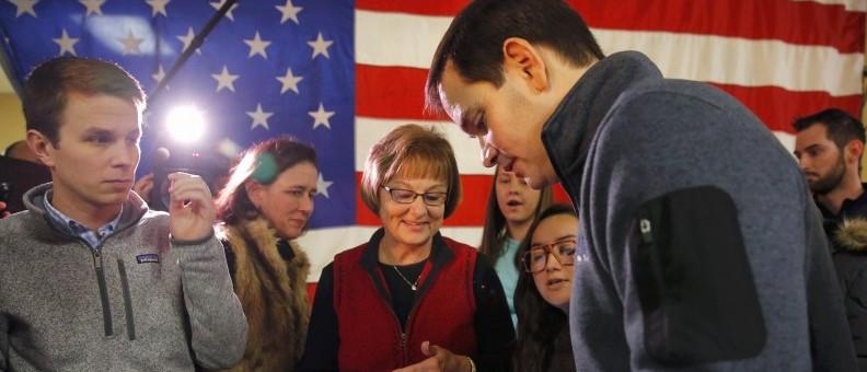Republican presidential candidate Sen. Marco Rubio (R-FL) signs autographs at an American Legion Hall in Oskaloosa, Iowa January 26, 2016. REUTERS/Aaron P. Bernstein