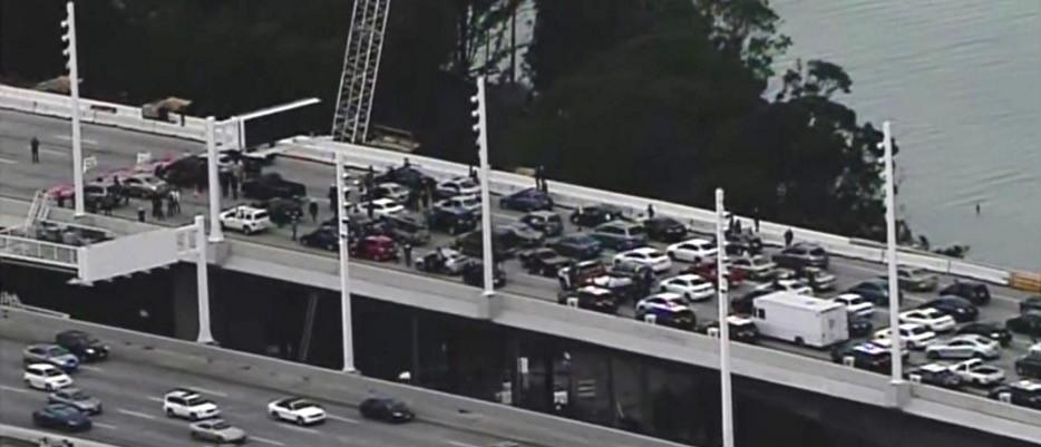 BLM's 'Anti-Police Terror Project' Celebrates MLK Day By Shutting Down San Francisco Bridge (screenshot: CBS)