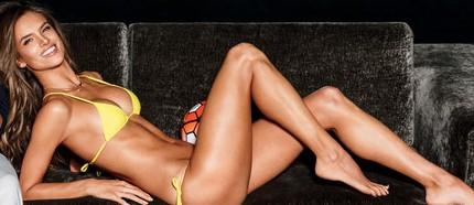 Alessandra Ambrosio topless photos