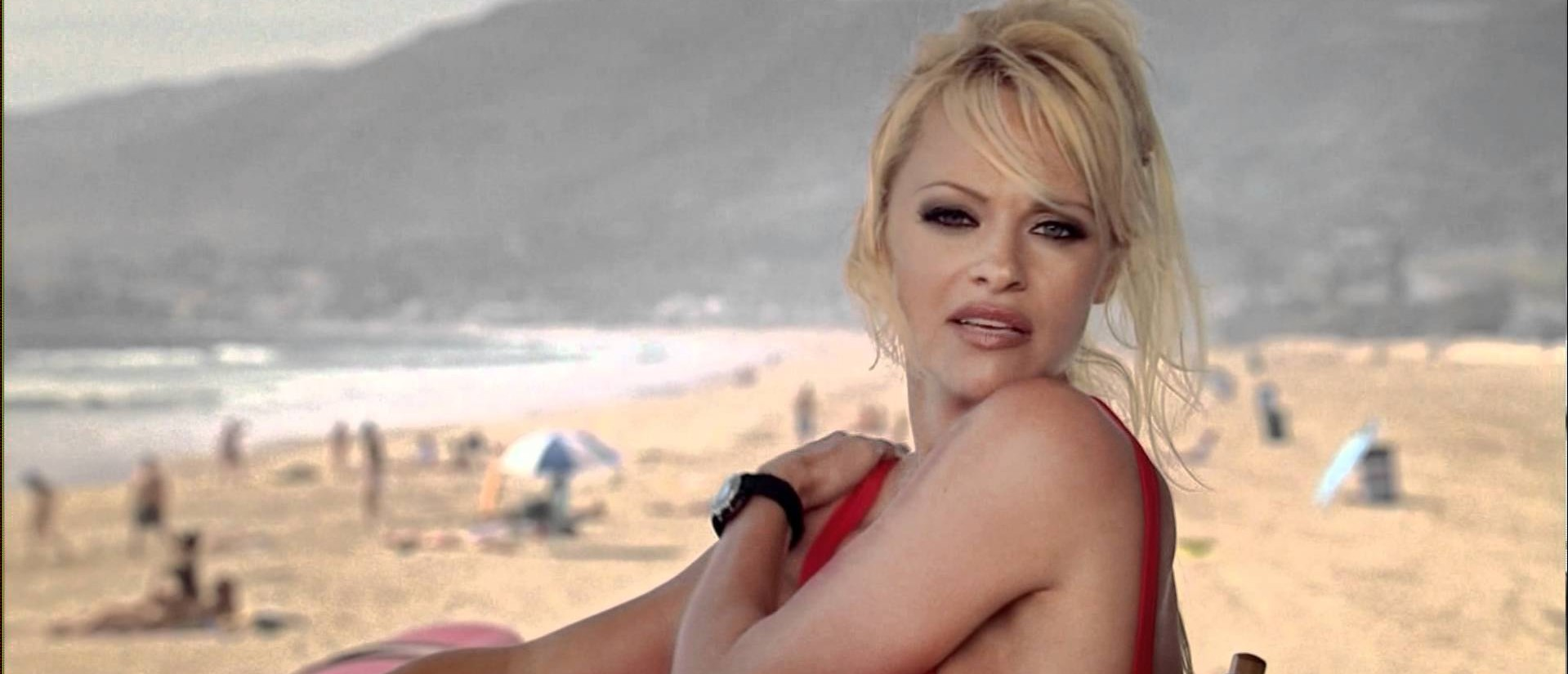 Pamela Anderson replaced on 'Baywatch.' (Photo: YouTube screen grab)