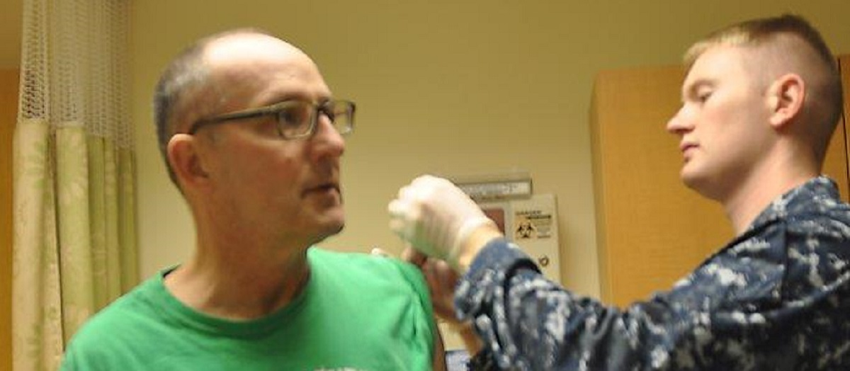 A veteran is treated by Navy Petty Officer 2nd Class Dwight Koontz at Lovell hospital (Provided photo)