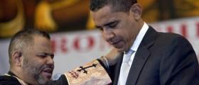 Barack Obama prays