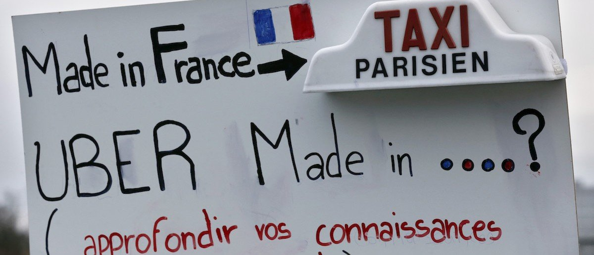 FRANCE-TRANSPORT-TAXI-DEMO