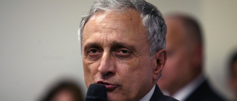 HICKSVILLE, NY- OCTOBER 26: Republican gubernatorial candidate Carl Paladino speaks to his supporters at American Defense Systems, October 26, 2010, in Hicksville, NY. Republican and Tea Party favorite, Carl Paladino is campaigning for the top seat in Albany against his opponent, Democrat Andrew Cuomo. (Photo by Hiroko Masuike/Getty Images)