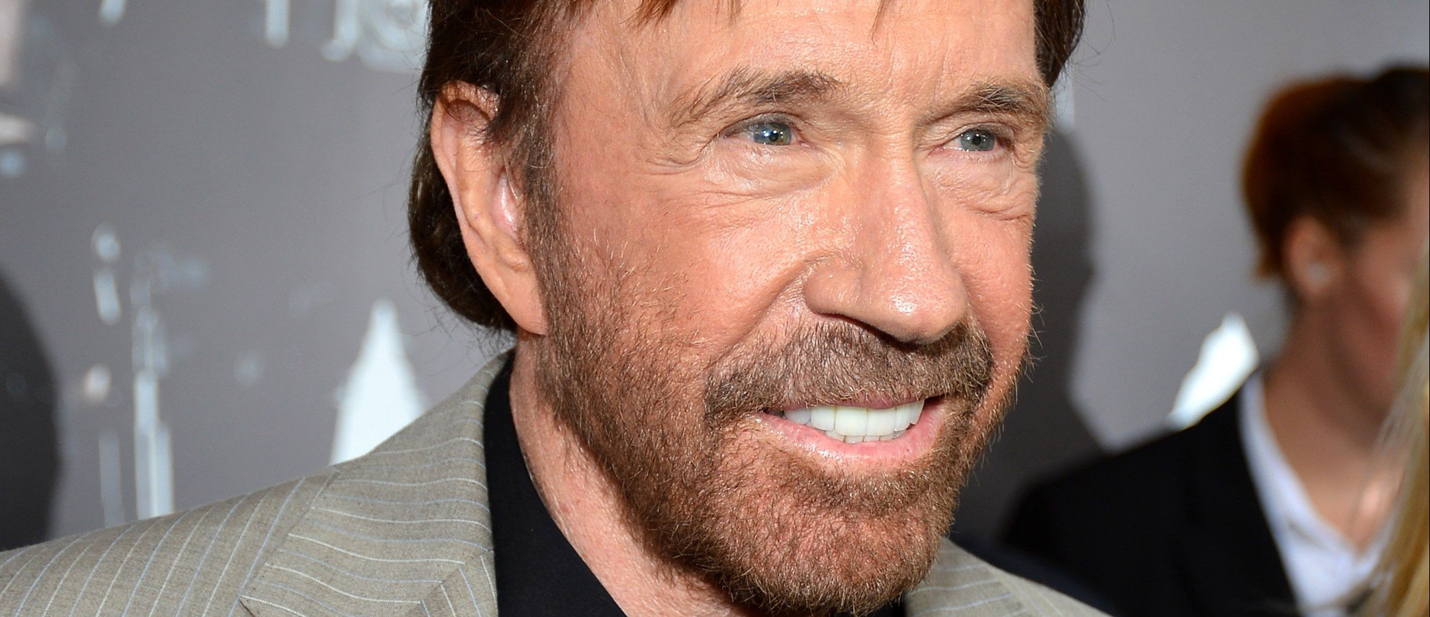 Chuck Norris campaigns for Ted Cruz