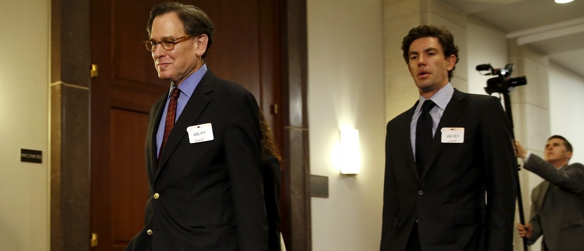 Sidney Blumenthal, left, a longtime Hillary Clinton friend who was an unofficial adviser while she was secretary of state, arrives to be deposed in private session of the House Select Committee on Benghazi at the U.S. Capitol in Washington June 16, 2015. (REUTERS/Jonathan Ernst)