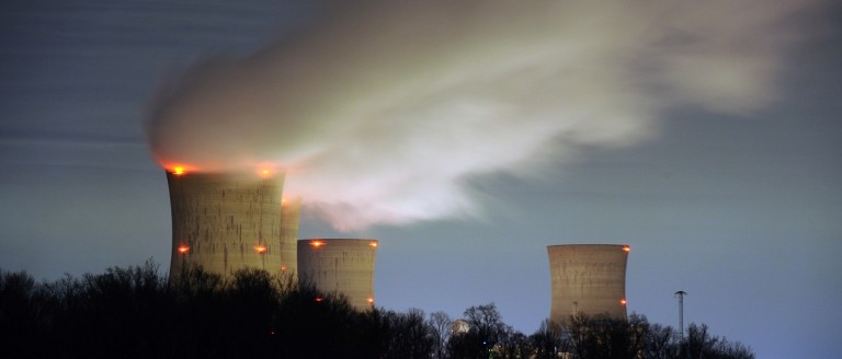 The Three Mile Island nuclear power plant, where the U.S. suffered its most serious nuclear accident in 1979, is seen across the Susquehanna River in Middletown, Pennsylvania in this night view taken March 15, 2011. U.S. regulators should press ahead with approving construction licenses for new nuclear power plants despite Japan's nuclear crisis, President Barack Obama's top energy official Energy Secretary Steven Chu said on Tuesday. REUTERS/Jonathan Ernst