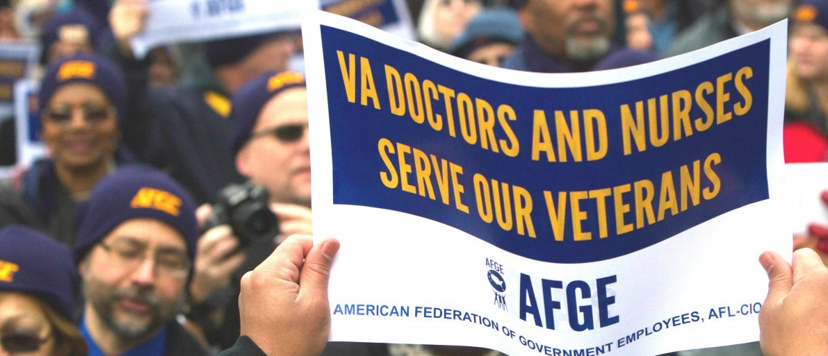 American Federation of Government Employees protest in a 2015 rally. Photo credit: AFGE https://creativecommons.org/licenses/by/2.0/