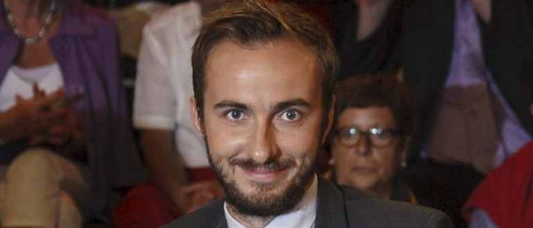"""Jan Boehmermann, host of the late-night """"Neo Magazin Royale"""" on the public ZDF channel is pictured during a TV show of Markus Lanz in Hamburg, Germany, August 21, 2012. REUTERS/Morris Mac Matzen"""
