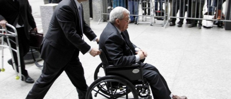 Former U.S. House Speaker Dennis Hastert arrives at the Dirksen Federal courthouse for his scheduled sentencing hearing in Chicago, Illinois, U.S. April 27, 2016. REUTERS/Frank Polich