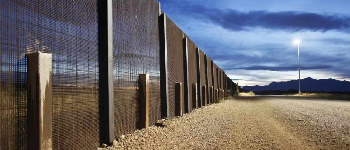 The Arizona-Mexico border fence is seen near Naco, Arizona, March 29, 2013.   REUTERS/Samantha Sais/File photo