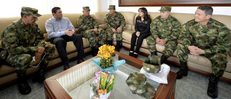 Colombia's Defense Minister Pinzon speaks with General Alzate, soldier Rodriguez and lawyer Urrego at an army base in Rionegro Antioquia province