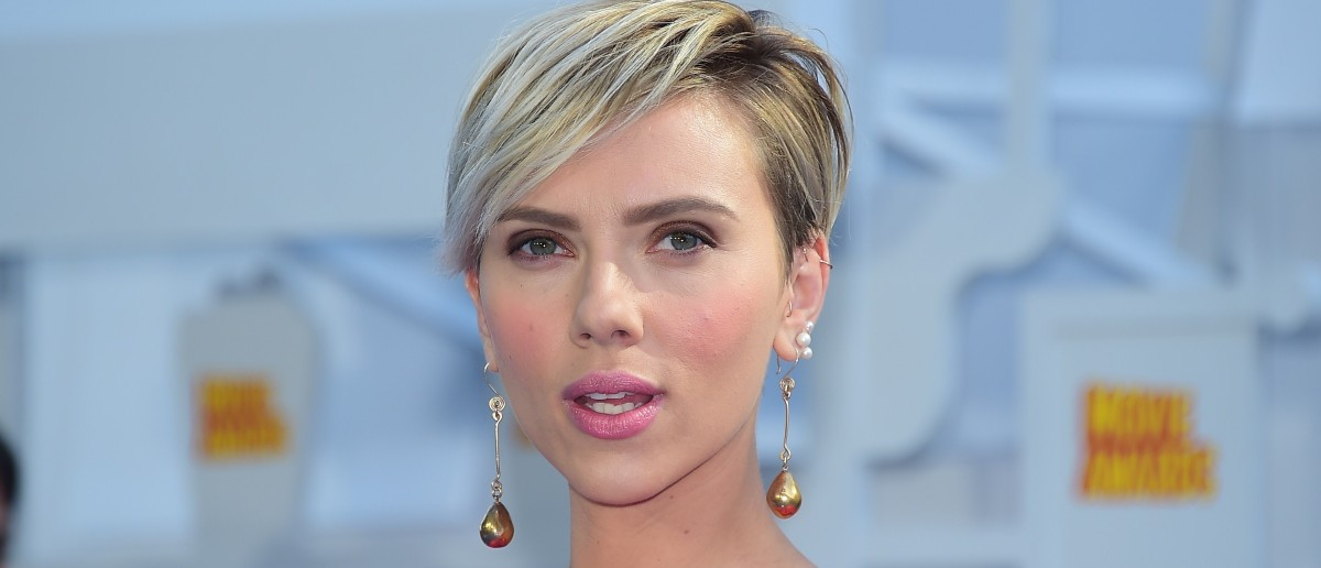Scarlett Johansson defends Planned Parenthood