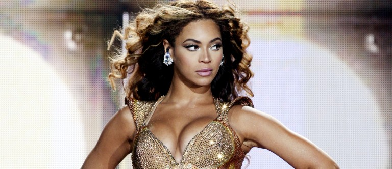 Singer Beyonce performs at the Staples Center on July 13, 2009 in Los Angeles