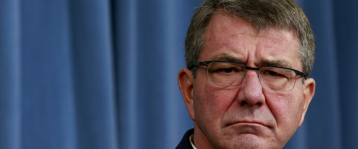 U.S. Defense Secretary Ash Carter attends a news conference at the Pentagon in Washington February 29, 2016. REUTERS/Yuri Gripas.