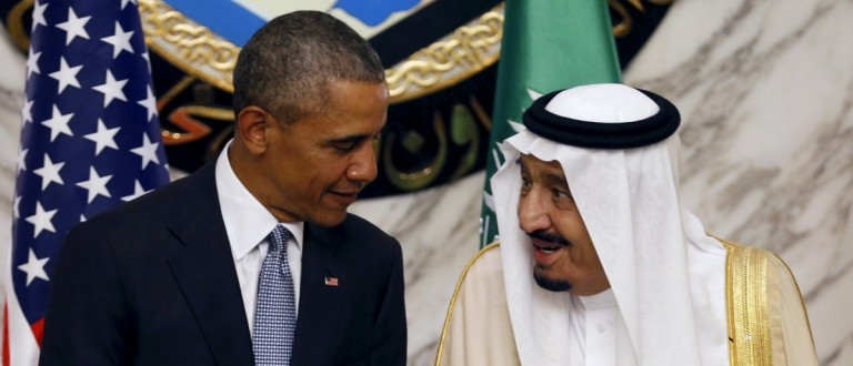 Saudi Arabia's King Salman (R) speaks with U.S. President Barack Obama during the summit of the Gulf Cooperation Council (GCC) in Riyadh, Saudi Arabia, April 21, 2016. REUTERS/Faisal Al Nasser