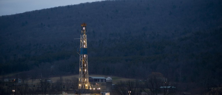 A natural gas well is drilled near Canton, in Bradford County, Pennsylvania January 8, 2012. Bradford County is currently ground zero for fracking the Marcellus shale in the Northeastern United States. Shale gas production has skyrocketed in recent years thanks to advances in fracking, which involves injecting a cocktail of water, sand and chemicals into the ground to extract fuel. Picture taken January 8, 2012. REUTERS/Les Stone