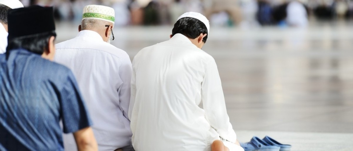 Muslims praying (Credit: Zurijeta/Shutterstock)