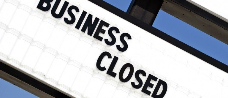 Out Of Business Sign (Photo: Carolyn Franks/Shutterstock)