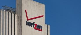 Verizon logo on building (Photo: Shutterstock)