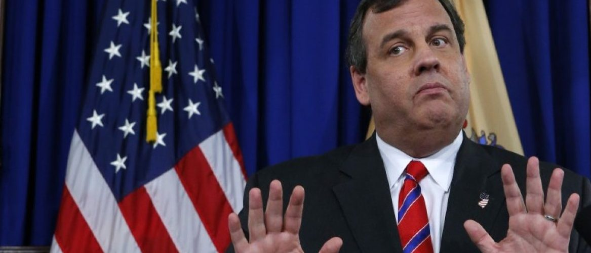 """New Jersey Governor Chris Christie reacts to a question during a news conference after announcing the chairman of the Port Authority of New York and New Jersey had resigned, a day after an internal investigation cleared Christie in the """"Bridgegate"""" scandal, during a news conference in Trenton, New Jersey, United States on March 28, 2014. REUTERS/Eduardo Munoz/File Photo"""