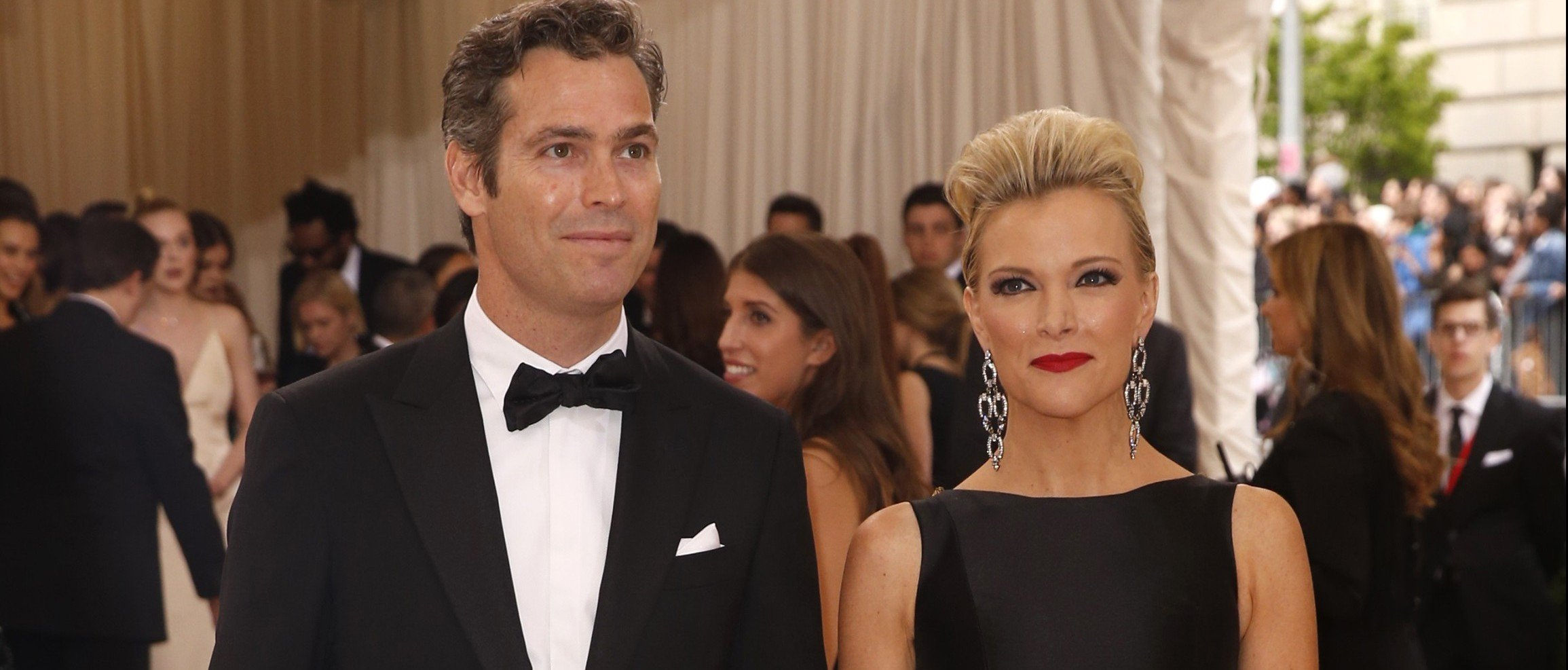 "Journalist Megyn Kelly and husband Douglas Brunt arrive at the Metropolitan Museum of Art Costume Institute Gala (Met Gala) to celebrate the opening of ""Manus x Machina: Fashion in an Age of Technology"" in the Manhattan borough of New York, May 2, 2016. photo:REUTERS/Lucas Jackson)"
