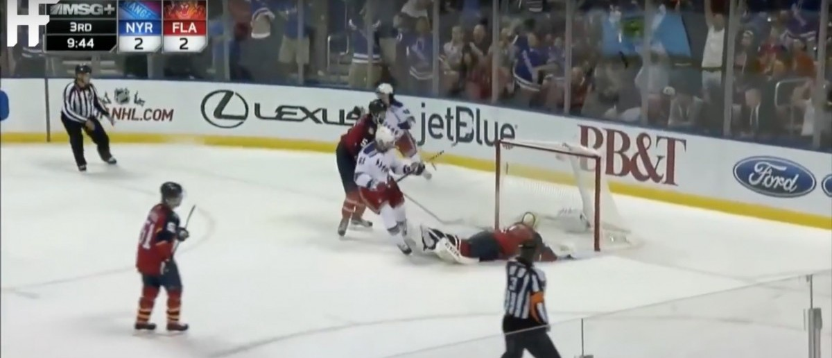 NHL (Credit: Screenshot/Youtube The Highlight Factory)
