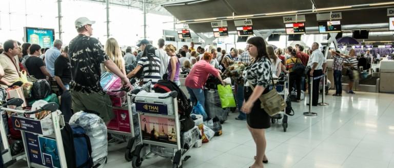 Airport lines. (SIHASAKPRACHUM/Shutterstock)
