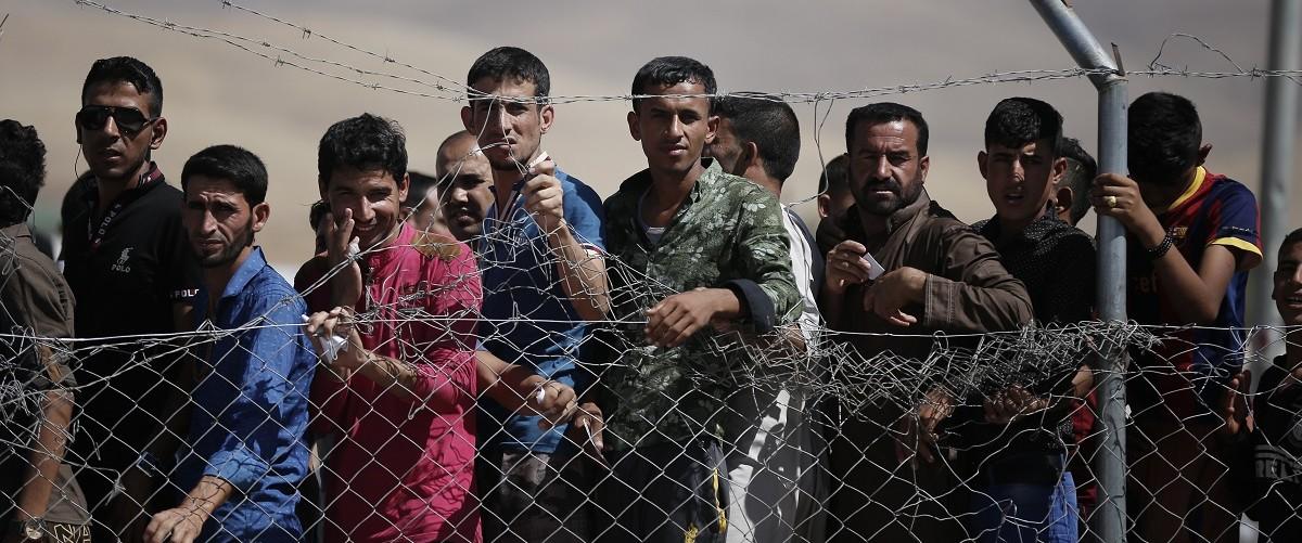 Migrants (Shutterstock)