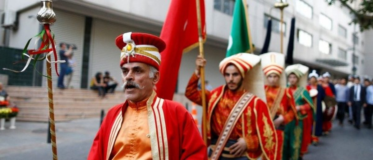 "Members of traditional Ottoman band Mehter perform near the German Consulate in Istanbul, Turkey, June 2, 2016, during a protest against approval of a resolution by Germany's parliament that declares the 1915 massacre of Armenians by Ottoman forces a ""genocide"". REUTERS/Osman Orsal"