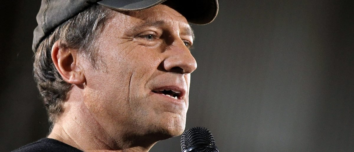 Mike Rowe Absolutely Destroys Guy Who Accuses Him Of Being A White Nationalist