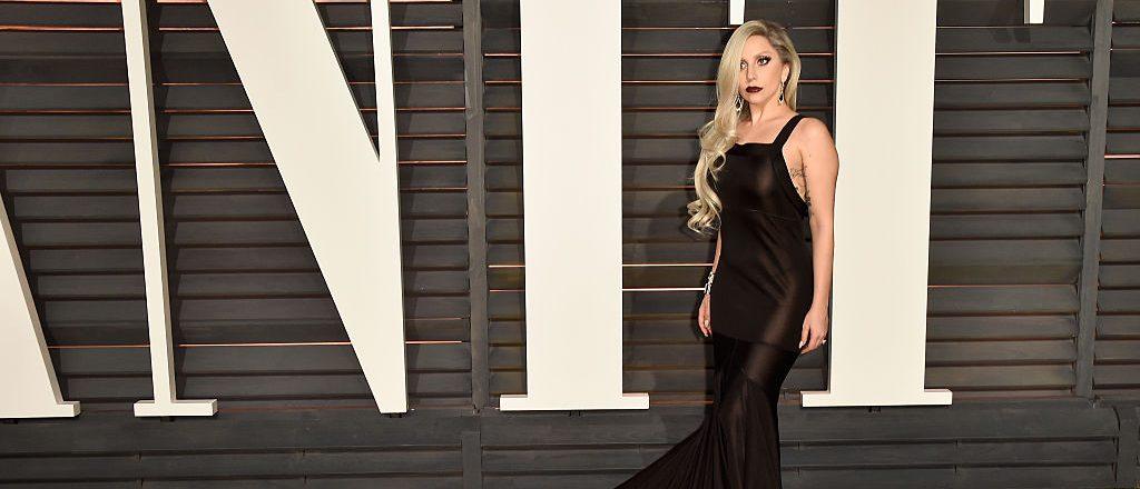 Plain black looks good on Gaga! (Photo: Getty Images)