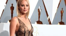 Here's Jenn on the Red Carpet at the 88th Annual Academy Awards (Photo by Ethan Miller/Getty Images)