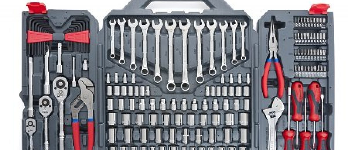 Save over $126 on this quality Apex tool set today only (Photo via Amazon)