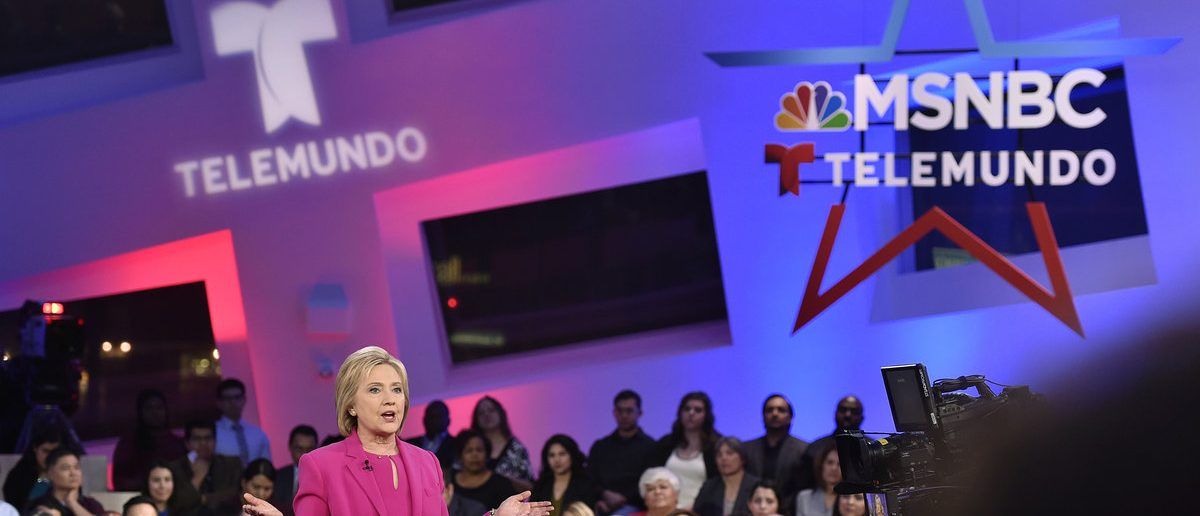 U.S. Democratic presidential candidate Hillary Clinton addresses the audience during a campaign town hall hosted by MSNBC and Telemundo in Las Vegas, Nevada February 18, 2016. REUTERS/David Becker