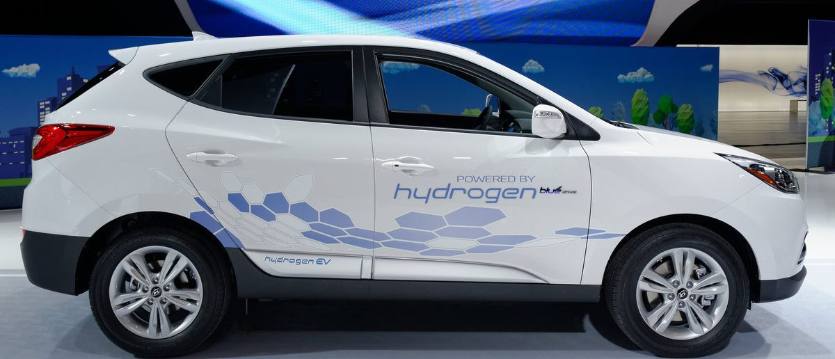 Hyundai Tucson Hydrogen refuels with hydrogen gas in minutes, range of over 420 km, and its only emission is pure water vapour. (Zoran Karapancev / Shutterstock)