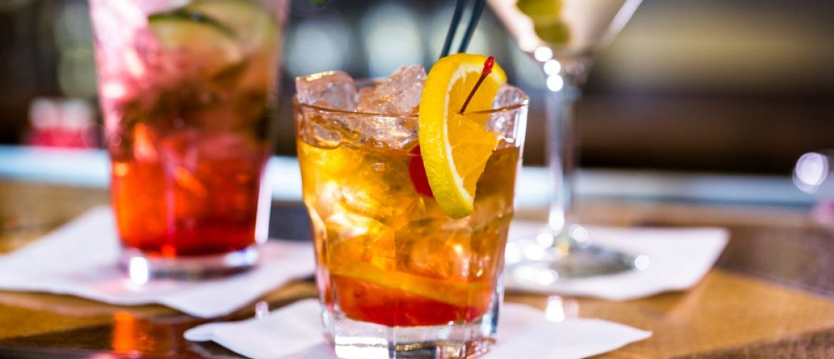 Happy hour drinks. (Arina P Habich/Shutterstock)