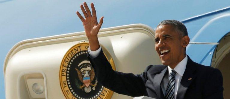 U.S. President Barack Obama arrives aboard Air Force One at Naval Station Rota in Rota, Spain, July 10, 2016. REUTERS/Jonathan Ernst