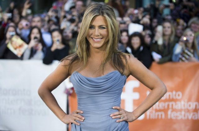 """Jennifer Aniston arrives for the """"Life of Crime"""" gala screening at the 38th Toronto International Film Festival in Toronto, Canada on September 14, 2013. REUTERS/Mark Blinch/File Photo"""