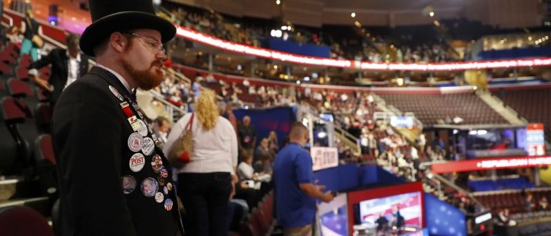 Oregon delegate Nathan Dahlin looks over the floor at the Republican National Convention in Cleveland, Ohio, U.S., July 18, 2016. REUTERS/Aaron P. Bernstein