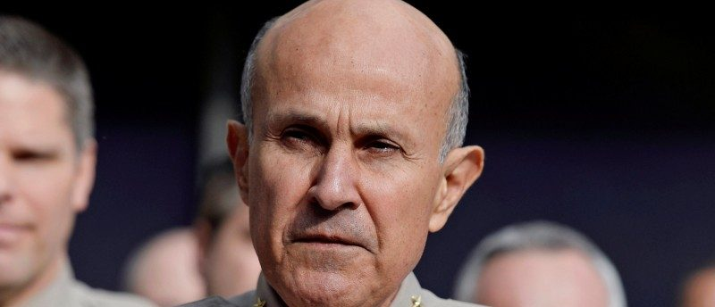 Los Angeles County Sheriff Lee Baca announces his retirement during a news conference at Los Angeles County Sheriff's headquarters in Monterey Park, California, U.S., January 7, 2014. REUTERS/Kevork Djansezian/FIle Photo
