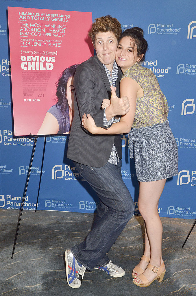 "Sally Kohn and actress Jenny Slate pose for a photo during the Planned Parenthood of America/A24 special screening of ""Obvious Child"" (Getty Images)"