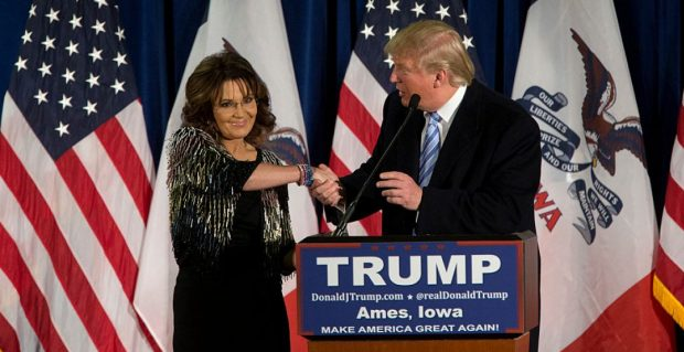 Sarah Palin offers a limp shake. (photo: Getty)