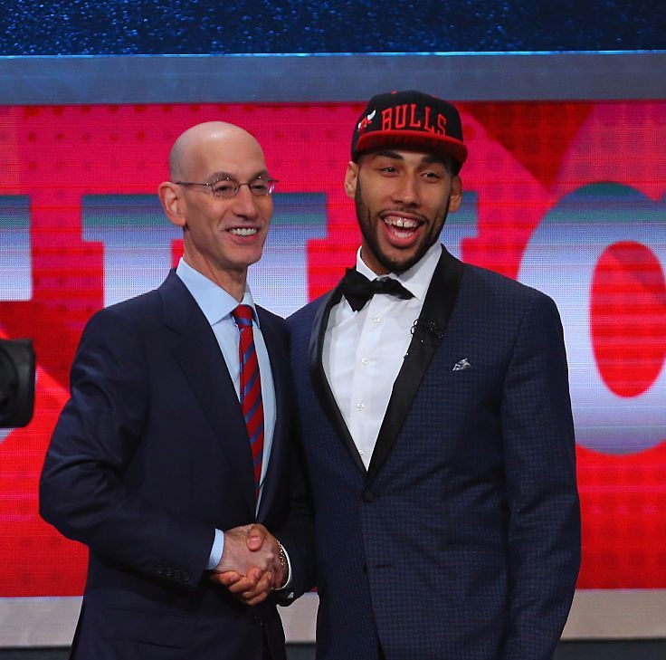 Chicago Bulls rookie Denzel Valentine comes up big in 2016 Las Vegas Summer League Championship. (Photo by Mike Stobe/Getty Images)