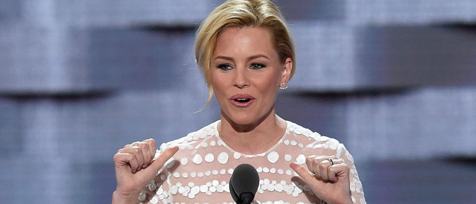 Actress Elizabeth Banks speaks during Day 2 of the Democratic National Convention at the Wells Fargo Center in Philadelphia, Pennsylvania, July 26, 2016. / AFP / SAUL LOEB        (Photo credit should read SAUL LOEB/AFP/Getty Images)