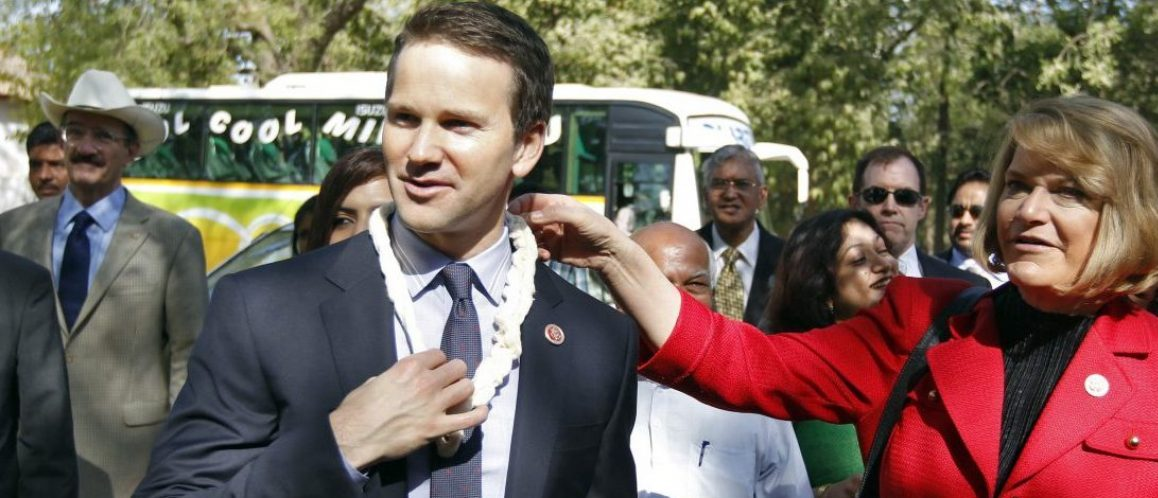 U.S. Republican lawmakers Cynthia Lummis (in red) and Aaron Schock (wearing a garland) arrive at the Gandhi Ashram in the western Indian city of Ahmedabad March 28, 2013. A visiting U.S. congressional delegation on Thursday invited the chief minister of Gujarat, Narendra Modi, to the United States, despite the fact that Washington has denied him a visa since 2005 because of deadly religious riots. REUTERS/Amit Dave