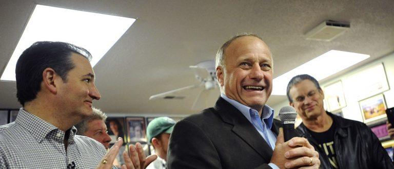 Representative King of Iowa introduces U.S. Republican presidential candidate Cruz during campaign stop in Boone, Iowa